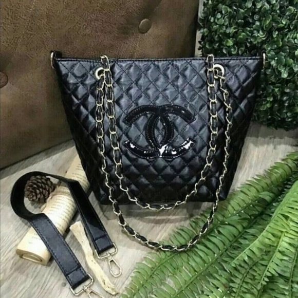 3c06cbd90d7a99 CHANEL Bags | Authentic Vip Quilted Gift Tote | Poshmark